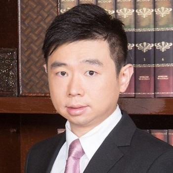 Dr Daniel Mo