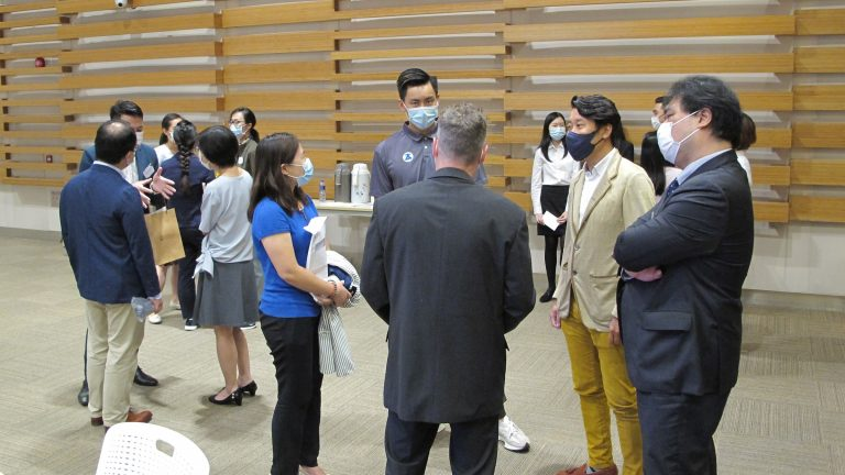 Participants mingled at the HSUHK Teaching and Learning Forum 2021